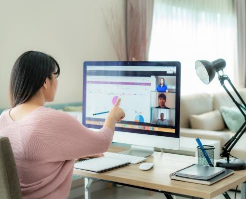 Contar con unos recursos tecnológicos apropiados es esencial para estar interconectados.