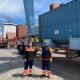 Eduardo Guerrero, a la izquierda, y Cristian Yago en las instalaciones del Puerto de Alicante.