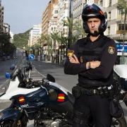 Christian, en plena avenida de Alfonso El Sabio de Alicante, durante un servicio de vigilancia del confinamiento.